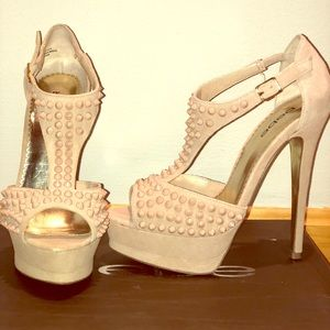 Bebe Dalia T Strap Blush heels w/ spiked Studs